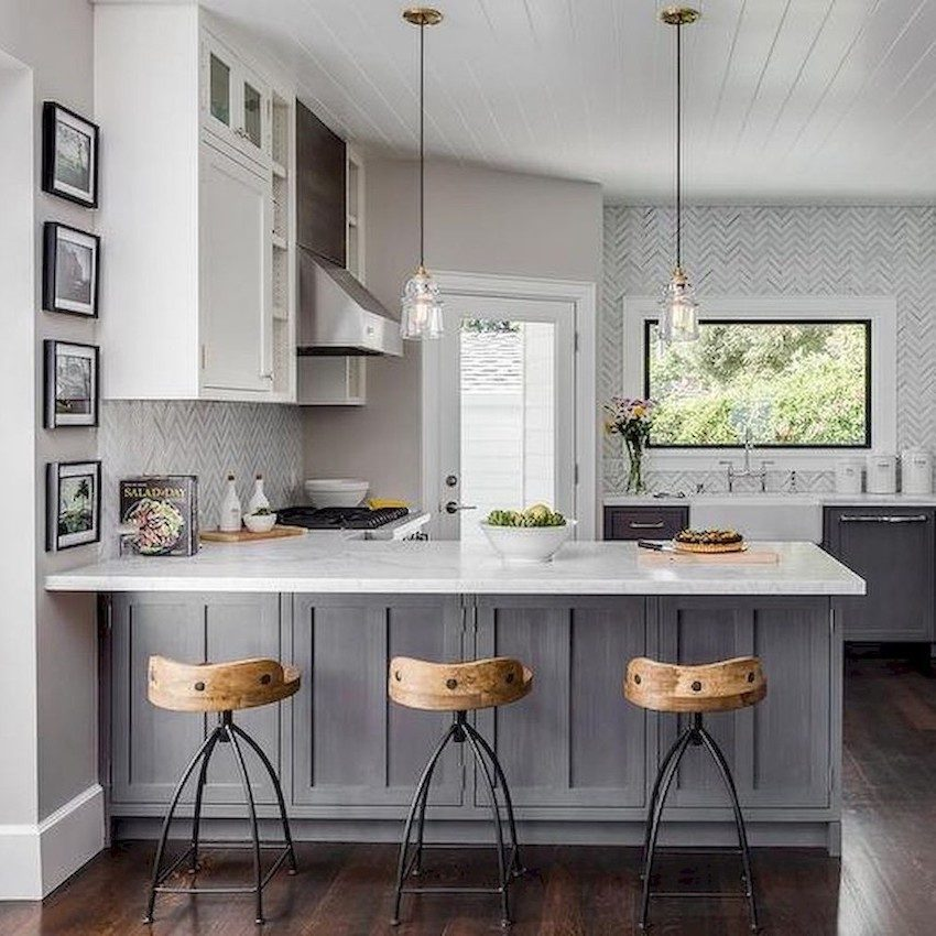 kitchen-with-stools-designed-to-sell
